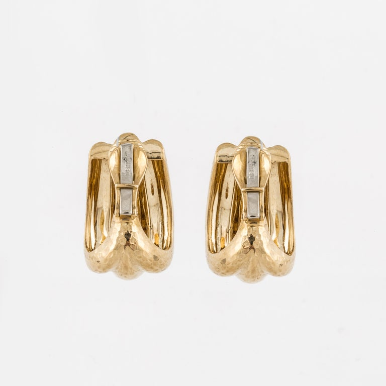 David Webb Hammered Gold Semi Hoop Earrings In Good Condition For Sale In Houston, TX