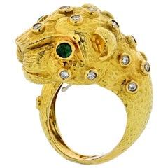 David Webb Leopard 18 Karat Yellow Gold Green Emeralds, Diamonds Ring