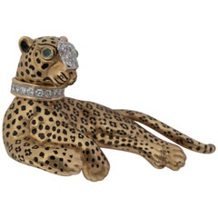 David Webb Leopard Gold Platinum Emerald Diamond Brooch Pin