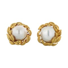 David Webb Mabe Pearl 18K Yellow Gold Clip Earrings