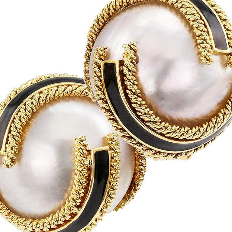 David Webb Mabe Pearl Black Enamel Gold Ear Clips For Sale 2