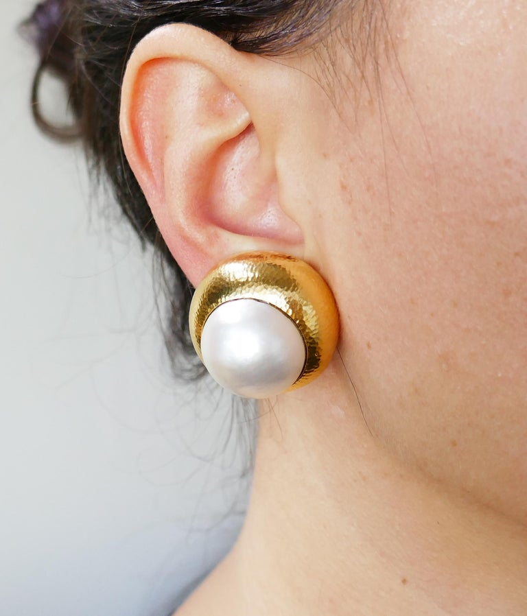 David Webb Mobe Pearl Yellow Gold Earrings In Excellent Condition For Sale In Beverly Hills, CA
