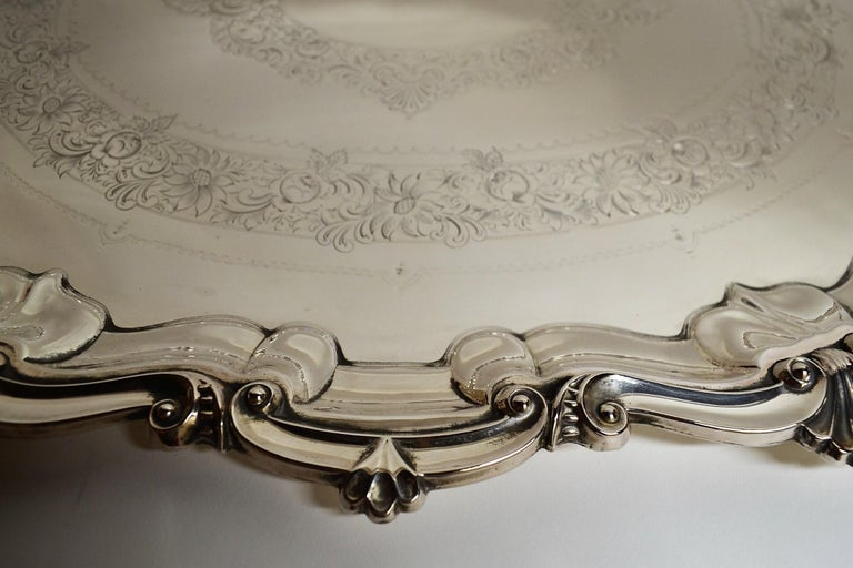 Antique English Sheffield Plate Serving Tray In Good Condition For Sale In New Orleans, LA