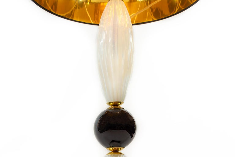 Hand-Crafted Pair of Italian Table Lamps in Opaline and Black Murano Glass For Sale