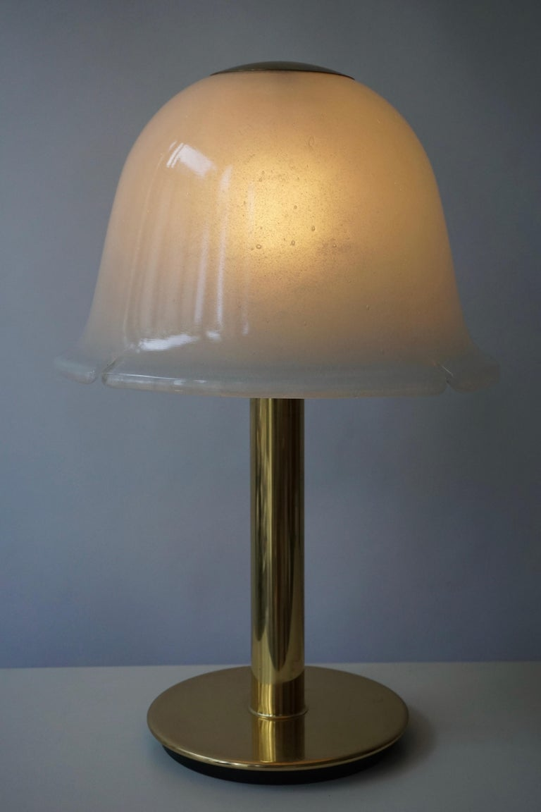 Italian Table Lamp in Murano Glass and Brass For Sale