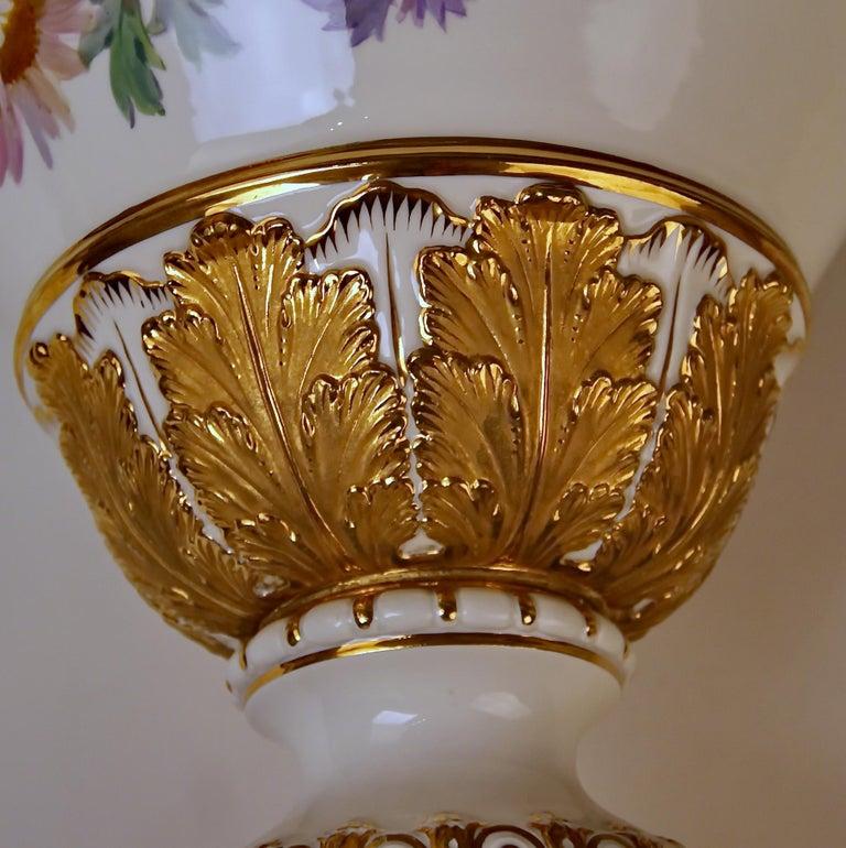 Meissen Amphora Vase Flowers D 153 by Leuteritz, circa 1870 For Sale 1