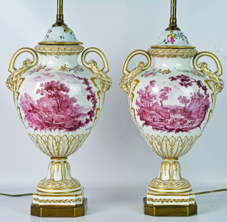 Louis XVI Pair of 19th Century French Old Paris Puce Camaieu Decorated Urns & Table Lamps