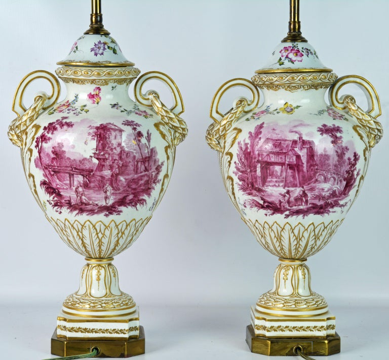 Pair of 19th Century French Old Paris Puce Camaieu Decorated Urns & Table Lamps In Good Condition In Ft. Lauderdale, FL