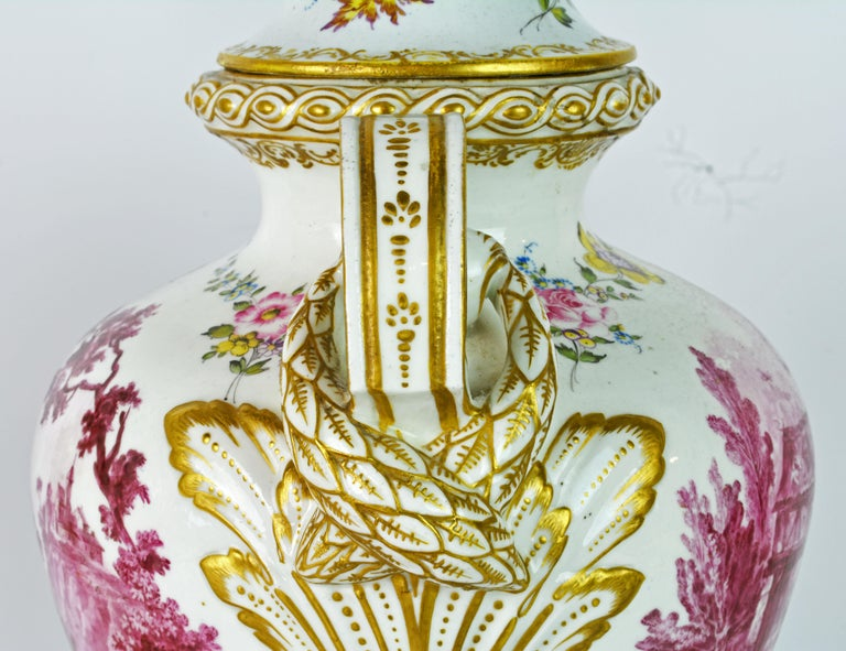 Pair of 19th Century French Old Paris Puce Camaieu Decorated Urns & Table Lamps 1