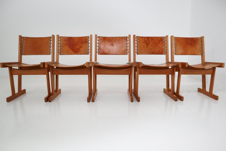 Midcentury Safari Chairs in Thick Cognac Saddle Leather and Solid Pine Wood For Sale 4