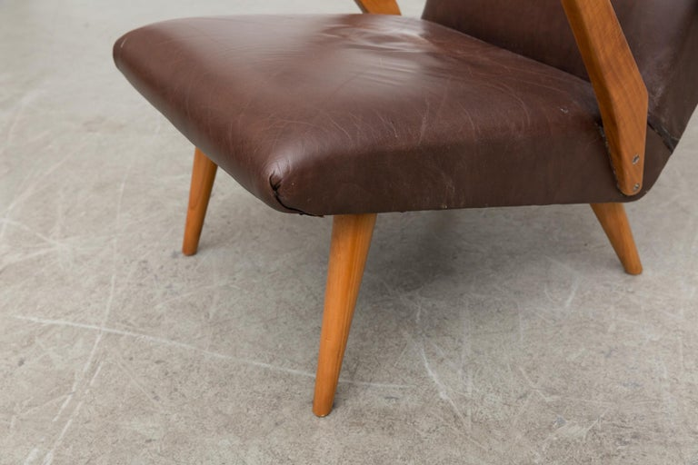 Original Leather Lounge Chair with Pecan Frame For Sale 4