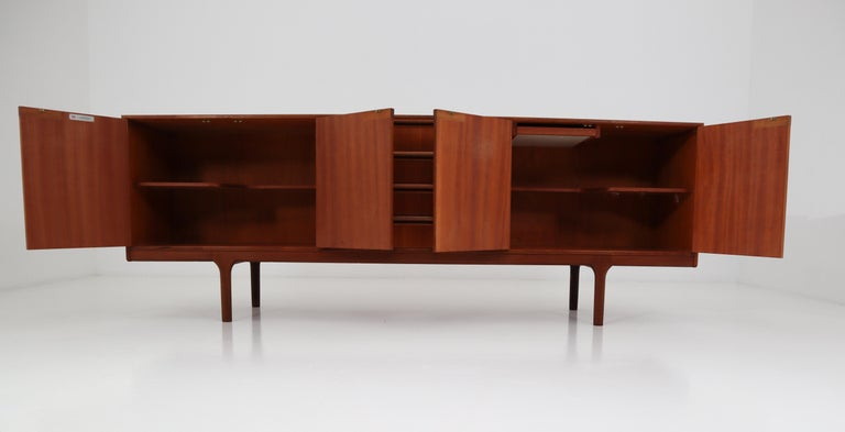Mid-Century Modern Style Teak Credenza by A.H. McIntosh, Scotland, 1960s For Sale 8
