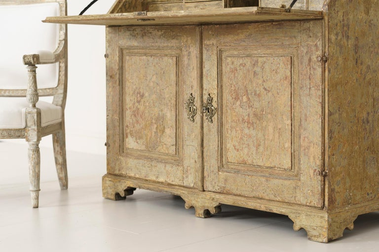 18th Century Swedish Baroque Period Secretary with Library in Original Paint For Sale 13