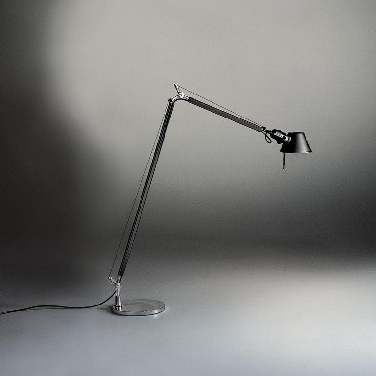 An extension to the iconic Tolomeo family, Tolomeo reading floor is an adaptation of the iconic Tolomeo table lamp into a reading floor lamp.   Available with or without shade.  Materials: Fully adjustable articulated arm structure in extruded