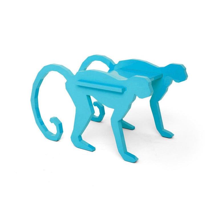 Much of Brazil's richness is in its fauna, full of species found only there. All this impressive nature is a full plate of inspiration for unusual furniture designs that stand out as truly differentiated in a market full of Cartesian options.  The