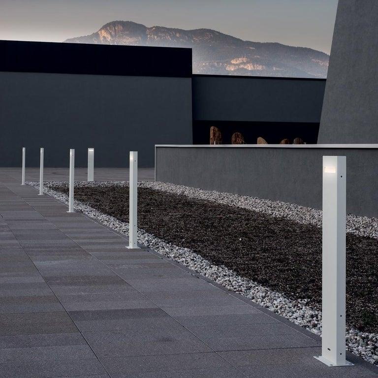 Modern Artemide Nuda 100 Unilateral Floor in Gray White by Ernesto Gismondi For Sale