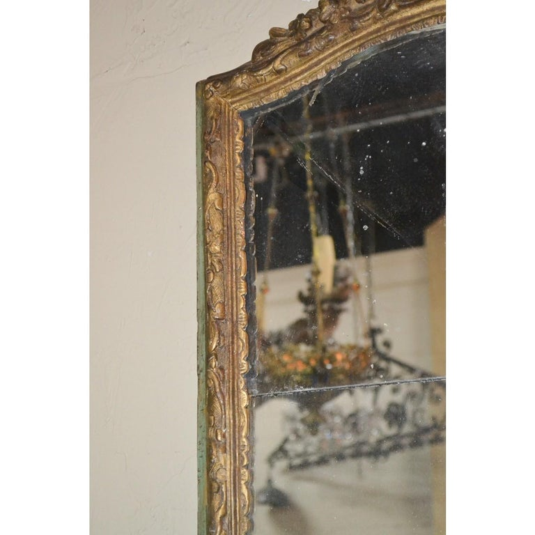 Régence 18th Century French Regence Parcel Gilt Mirror For Sale
