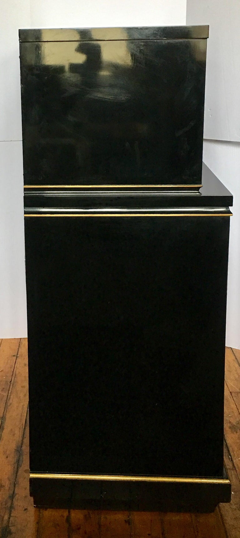 Mid-Century Modern Art Deco Style Lacquer and Gilt Greek Key Dresser Chest For Sale