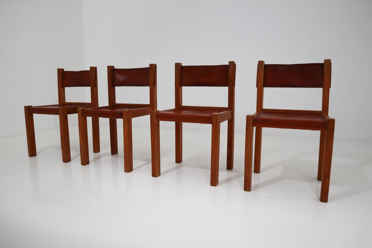 Mid-Century Modern Four Midcentury Wood and Leather Dining Chairs For Sale