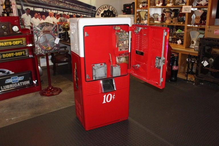 Mid-Century Modern 1950s Coca-Cola Westinghouse Model 42 Vending Machine For Sale