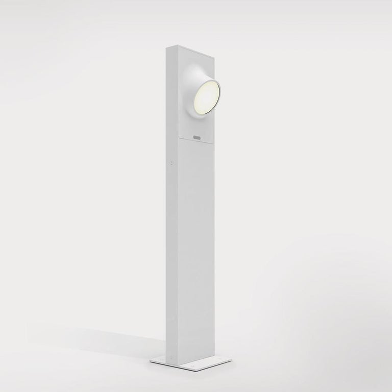Italian Artemide Ciclope 90 Unilateral Floor Light in White by Alessandro Pedretti For Sale