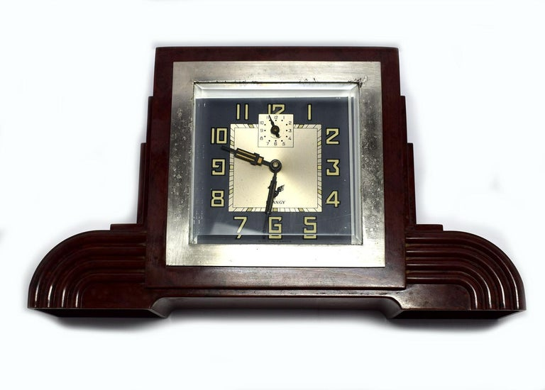Art Deco Bakelite Odeon Clock by Blangy In Good Condition For Sale In Devon, England