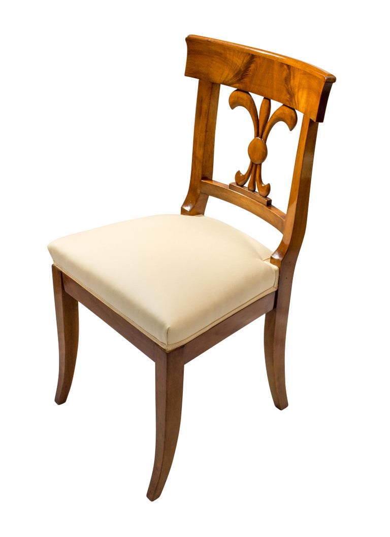 Polished 19th Century, Set of Six Solid Walnut Biedermeier Chairs For Sale