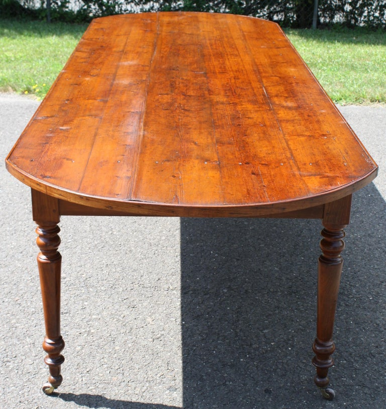 American Knotted Pine Planked 'Demi-Ended' Farm Table For Sale