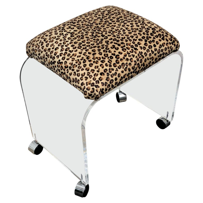 Mid-Century Modern Waterfall Lucite Stool or Bench with Faux Cheetah Fabric In Good Condition For Sale In Haddonfield, NJ