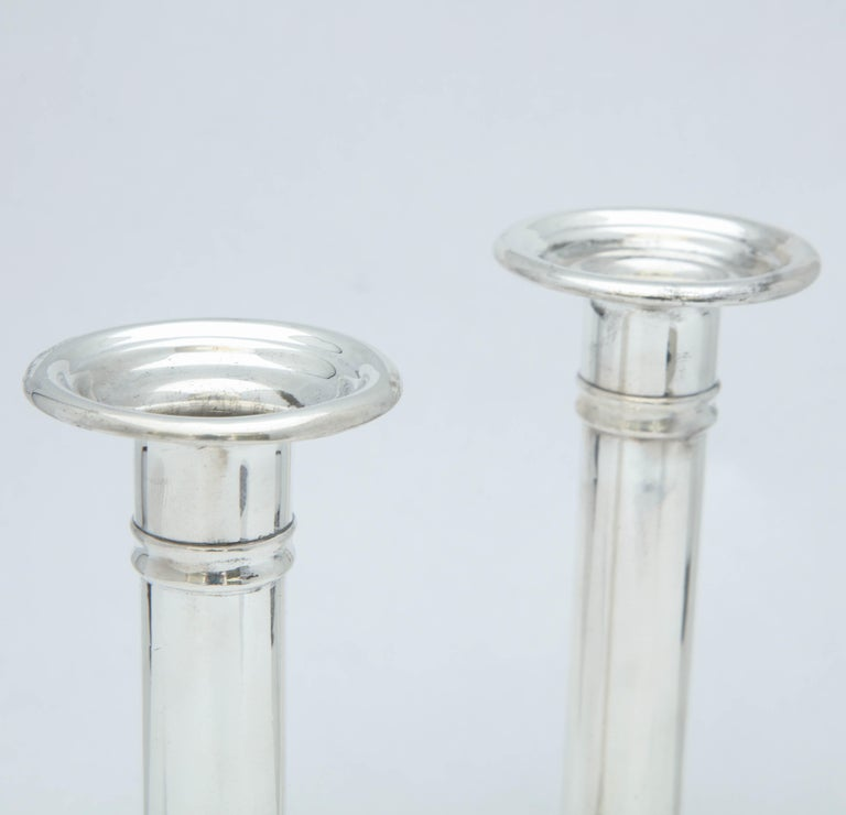 Early 20th Century Edwardian Pair of Sterling Silver Candlesticks For Sale