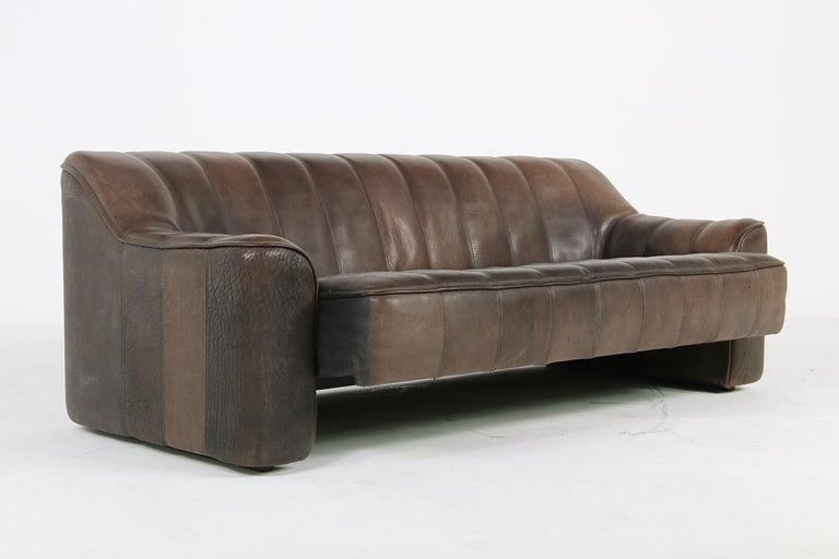 1970s Vintage De Sede DS 44 Three-Seat Buffalo Leather Sofa, Brown In Good Condition For Sale In Hamminkeln, DE