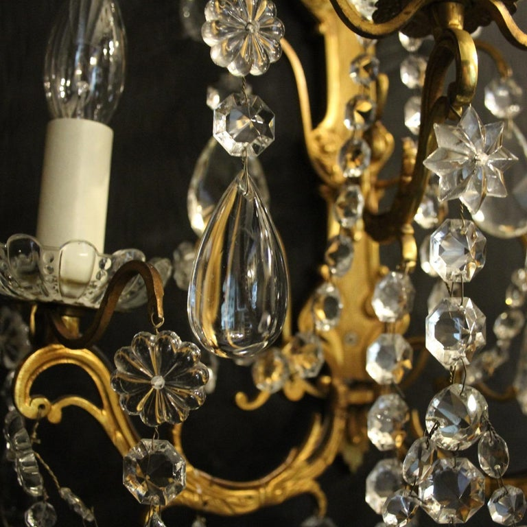 French Pair Of Gilded Bronze and Crystal Antique Wall Lights In Good Condition For Sale In Chester, GB