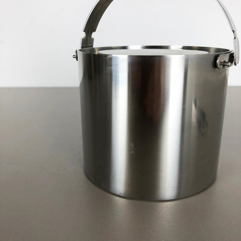 Original 1970s Cylinda Steel Ice Cube Bucket Element by Arne Jacobsen, Stelton In Good Condition For Sale In Kirchlengern, DE