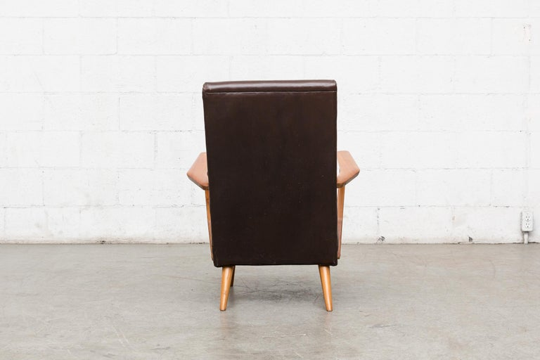 Original Leather Lounge Chair with Pecan Frame In Good Condition For Sale In Los Angeles, CA