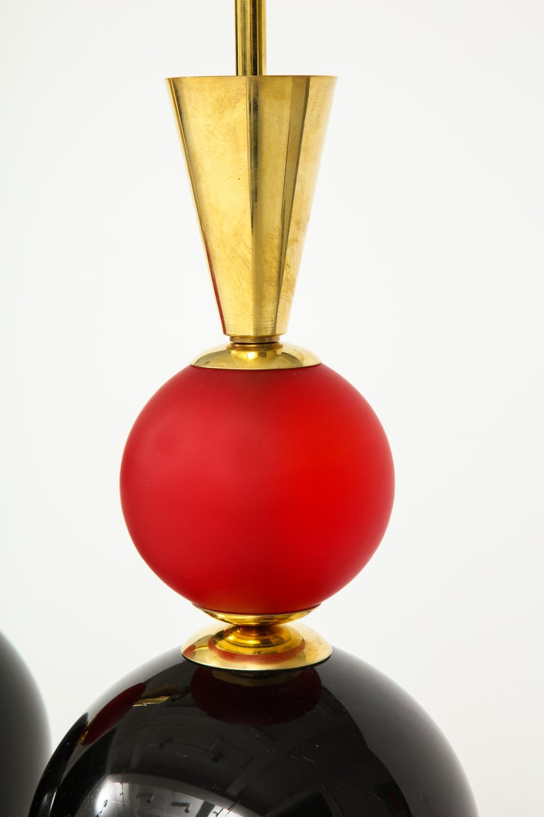 20th Century Unique Pair of Tall Red, White and Black Murano Glass and Brass Lamps, Italy For Sale