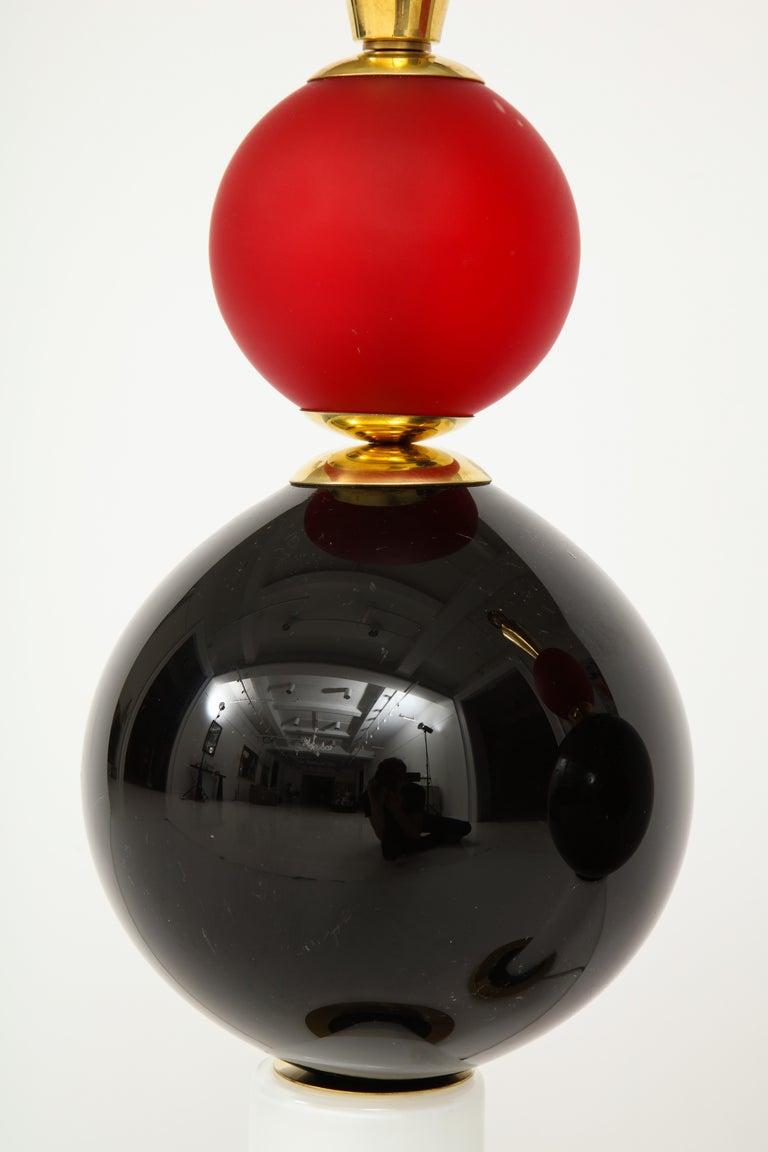 Unique Pair of Tall Red, White and Black Murano Glass and Brass Lamps, Italy For Sale 1