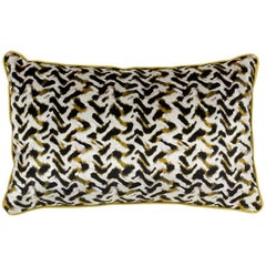 Brabbu Albus Pillow in Yellow Velvet with Gold Trim