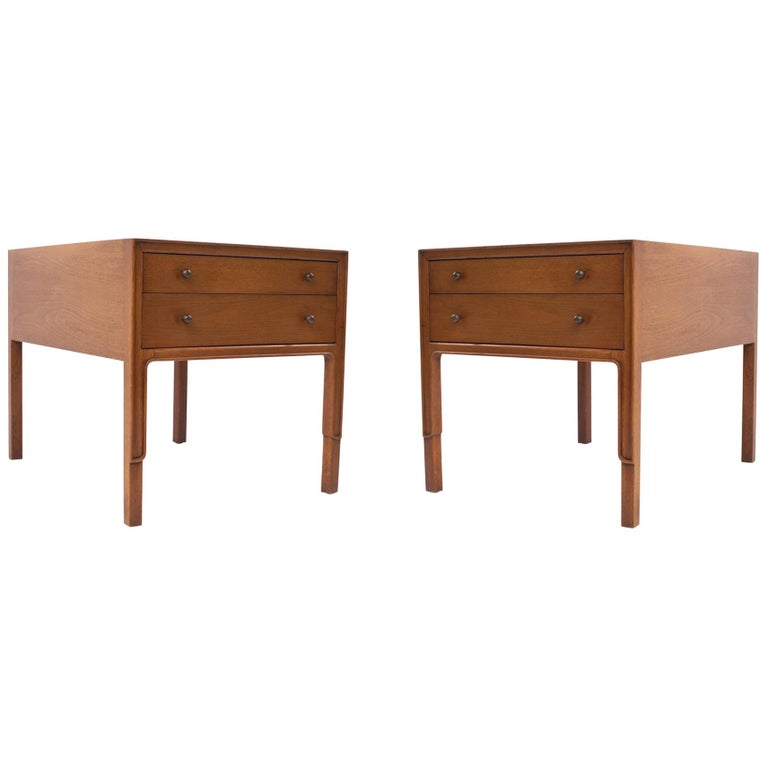 Classic Pair of Mahogany Bedside Tables by John Stuart, United States, 1960s For Sale