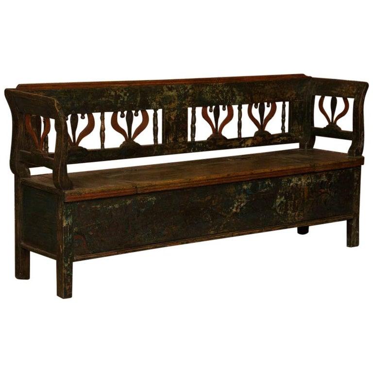 antique folk art painted hungarian storage bench for sale at 1stdibs. Black Bedroom Furniture Sets. Home Design Ideas