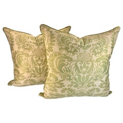 Pair of Fortuny Corone Pillows Green