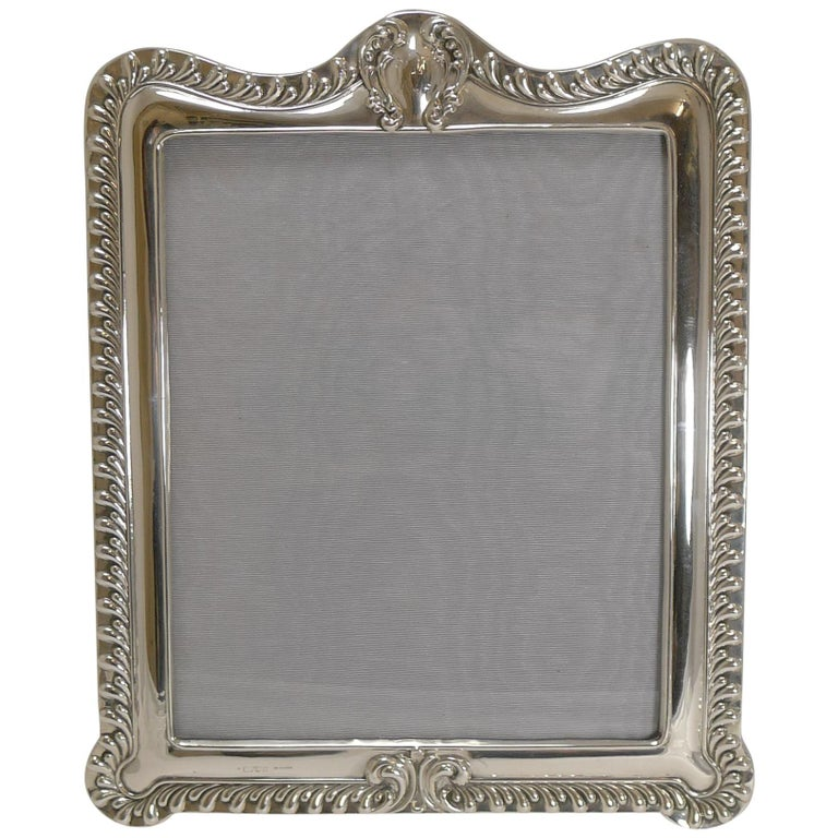 Grand Large English Sterling Silver Photograph Frame 1903 For
