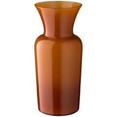 Salviati Medium Schwert Lily Profili Vase in Haselnuss von Anna Gili