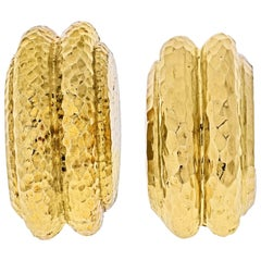 David Webb Platinum and 18 Karat Yellow Gold Hammered Clip-On Earrings