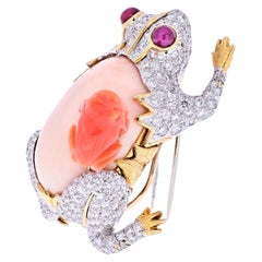David Webb Platinum and Gold Frog with a Baby Frog in Diamonds and Coral Brooch