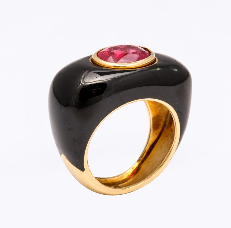 David Webb Ruby and Enamel Ring In Excellent Condition For Sale In New York, NY