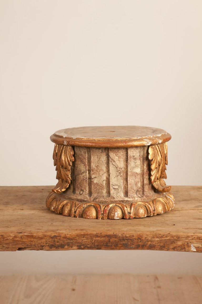 Hand-Carved 19th Century Column Pedestal Gilt Wood and Faux-Marble Painting, circa 1880 For Sale
