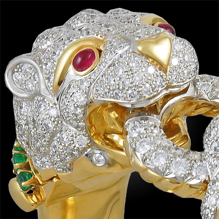 David Webb Two Headed Lion Bangle with Extra Bracelet In Good Condition For Sale In New York, NY