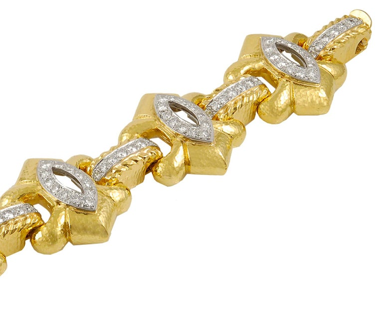 David Webb Two-Tone Diamond Bracelet In Good Condition For Sale In New York, NY