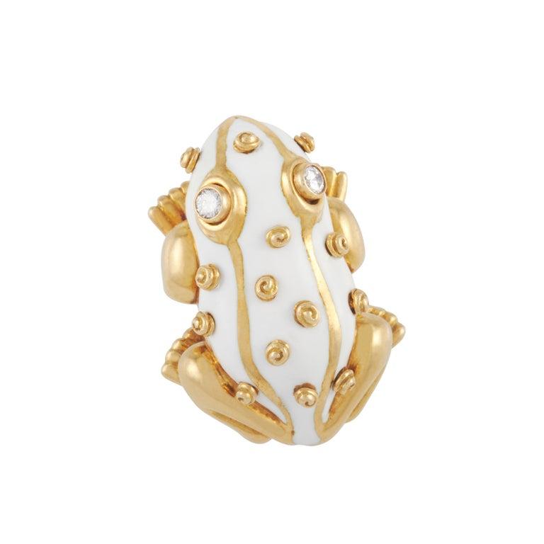 David Webb White Enamel Frog Brooch Set with Diamond Eyes in 18K Yellow Gold For Sale 2