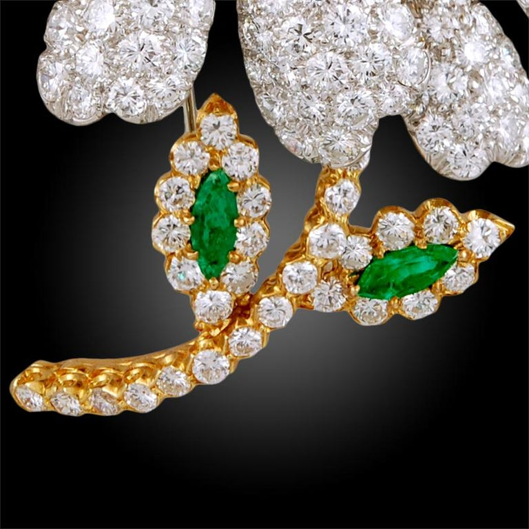 Round Cut David Webb White and Yellow Diamond Emerald Flower Brooch For Sale